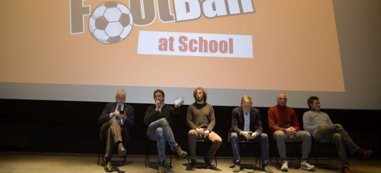 "Great success for the debut of ""Crazy for Football at school"""