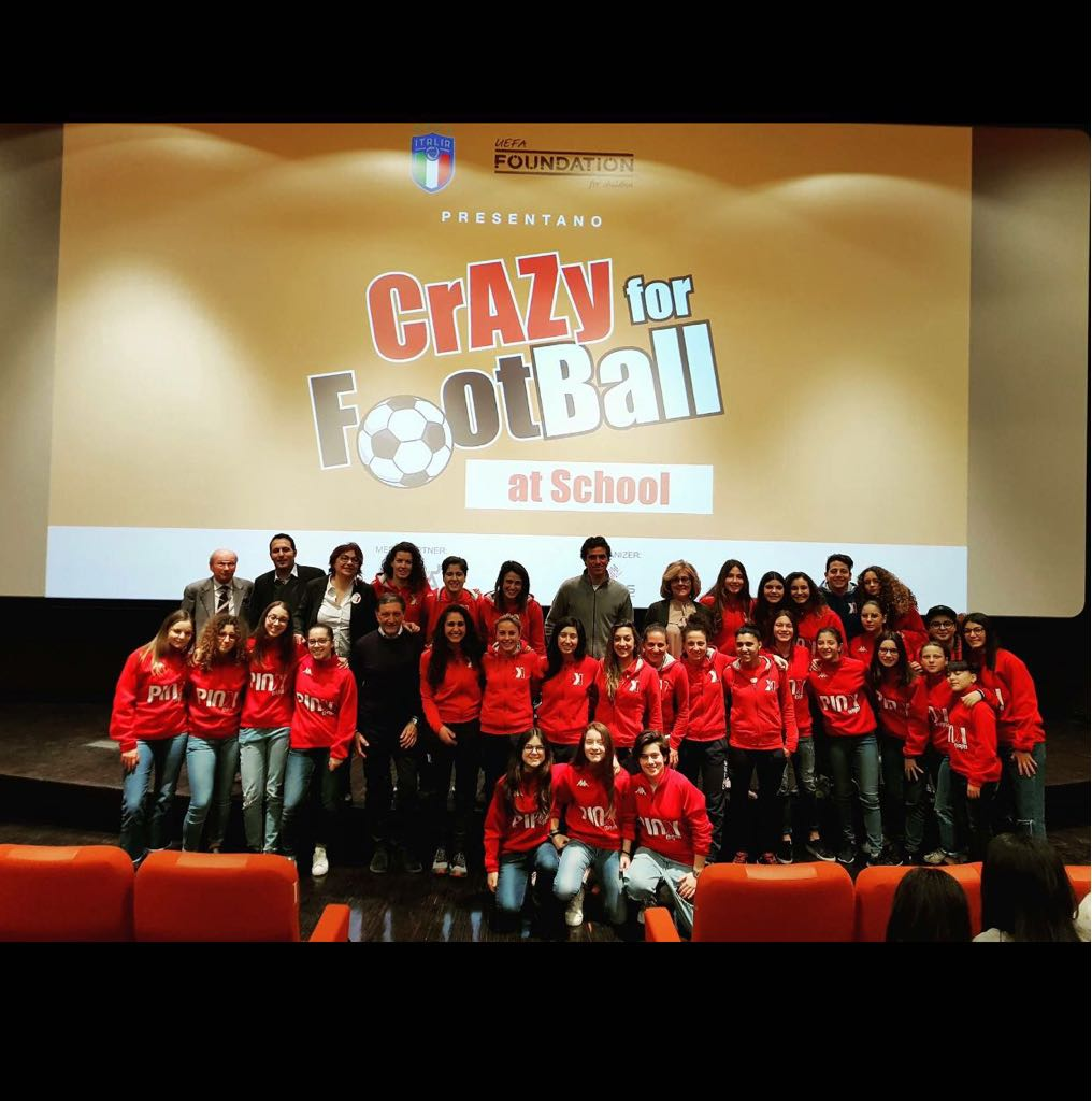 "27 Marzo: Grande successo per ""Crazy For Football at school"" al Cinema Galleria di Bari"